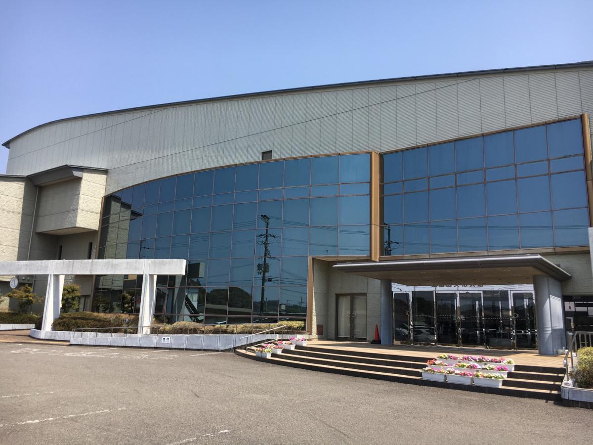 上富田町文化会館