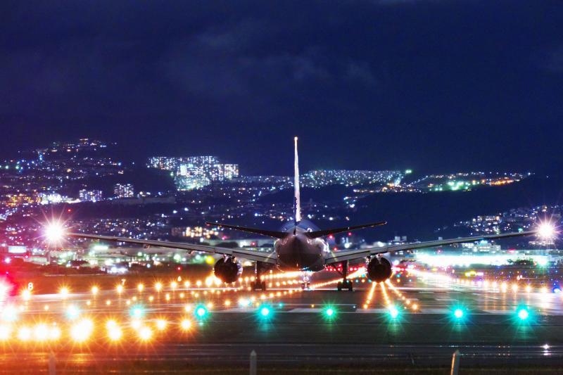 伊丹空港の夜景