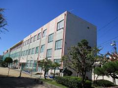 城西小学校