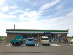 ファミリーマート伊予八倉店