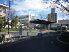 「猪名寺」バス停留所