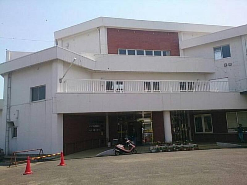 松江市立東出雲図書館
