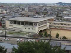 平章小学校