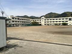 服織中学校