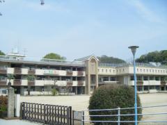 陶山小学校
