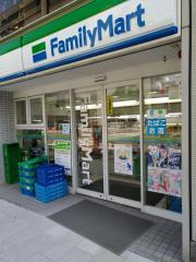 ファミリーマート錦通本町店