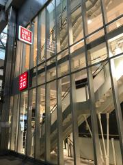 ユニクロ神戸三宮店