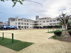 舎利寺小学校
