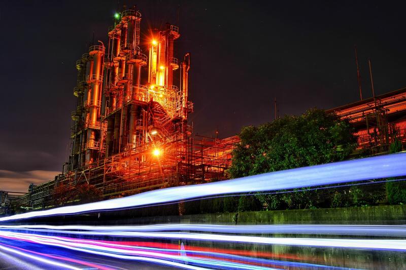 夜の大阪チタニウムテクノロジーズ
