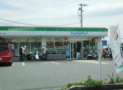 ファミリーマート津名町大谷店