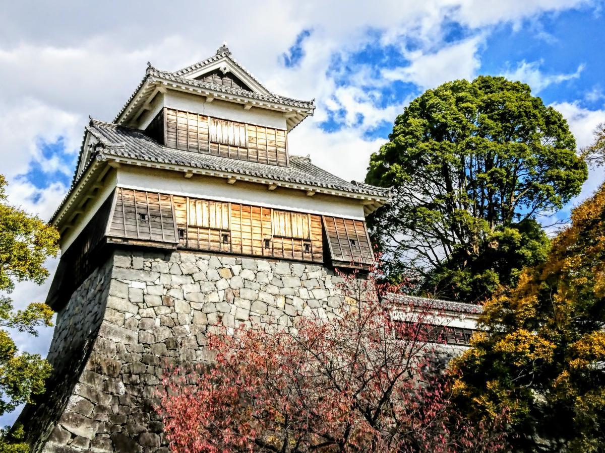 熊本城と紅葉