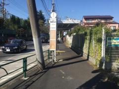 「プール前」バス停留所