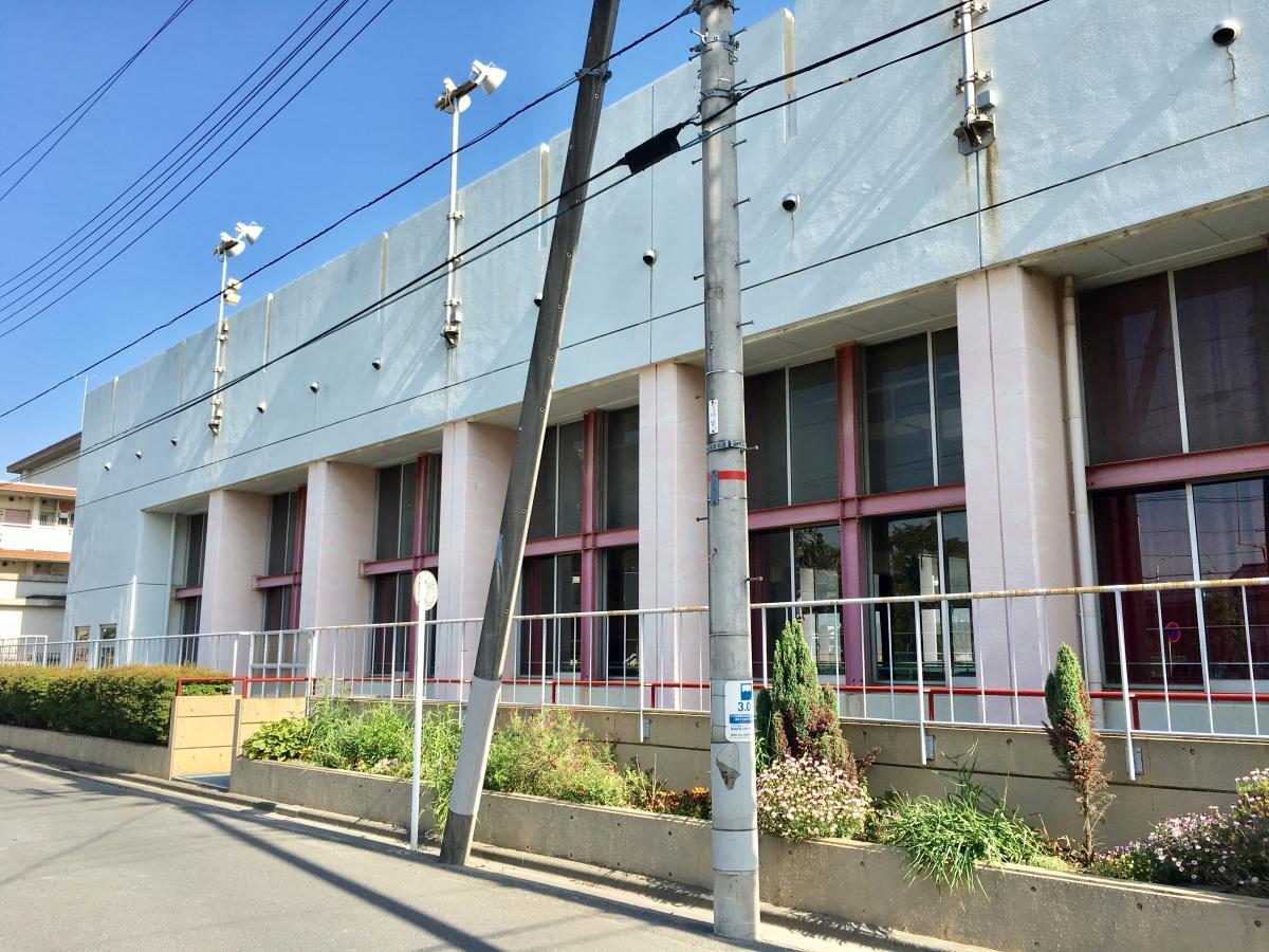 葛飾区立一之台中学校の体育館の外観