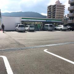 ファミリーマート JR亀川駅前店
