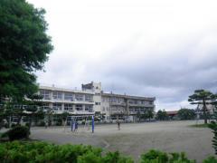 下条小学校