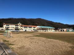 万葉小学校