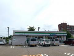 ファミリーマート 高岡市役所前店