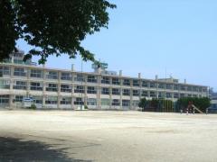 簗瀬小学校