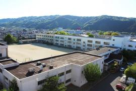 名張中学校
