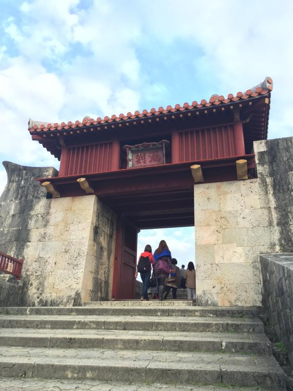 入り口の門です。