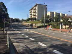 「若松台中学校前」バス停留所