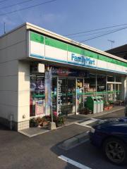 ファミリーマート 岩国通津店