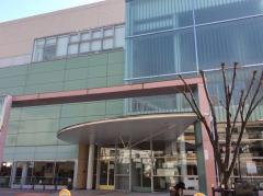 鶴見図書館