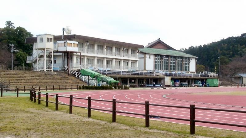 倉吉市営陸上競技場