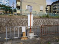 「三ツ松団地」バス停留所