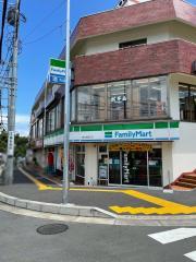 ファミリーマート 善行駅東口店