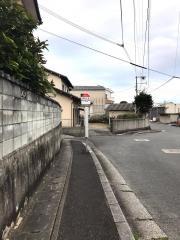 「潤野下区」バス停留所