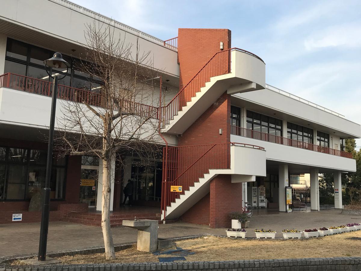 パブリネット】埼玉県立久喜図書館(久喜市下早見)