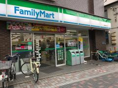 ファミリーマート 浦和駅東口店