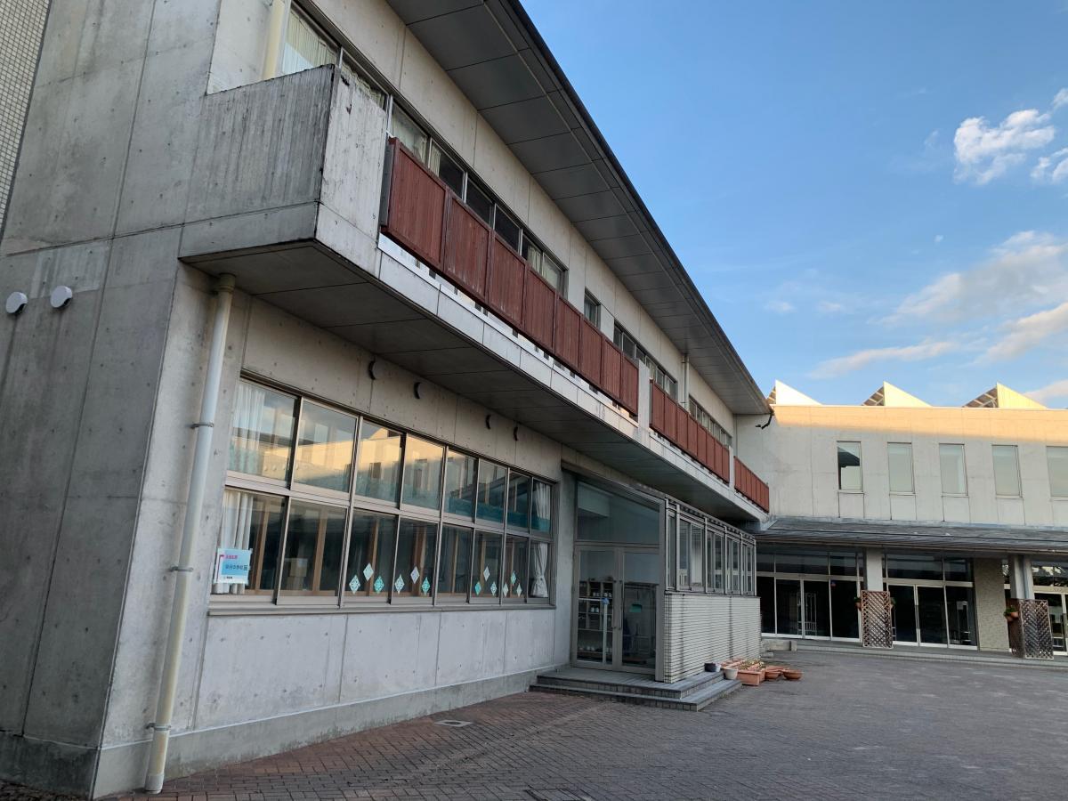 滑川市中野島 早月中学校