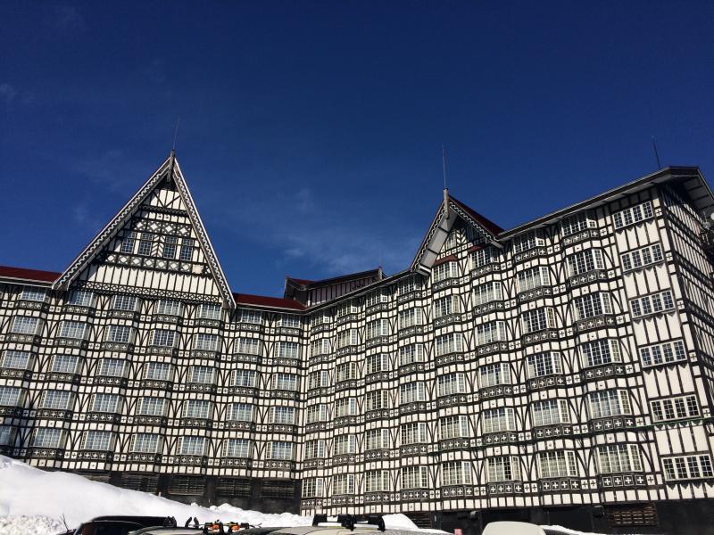 ホテルの外観の写真になります。