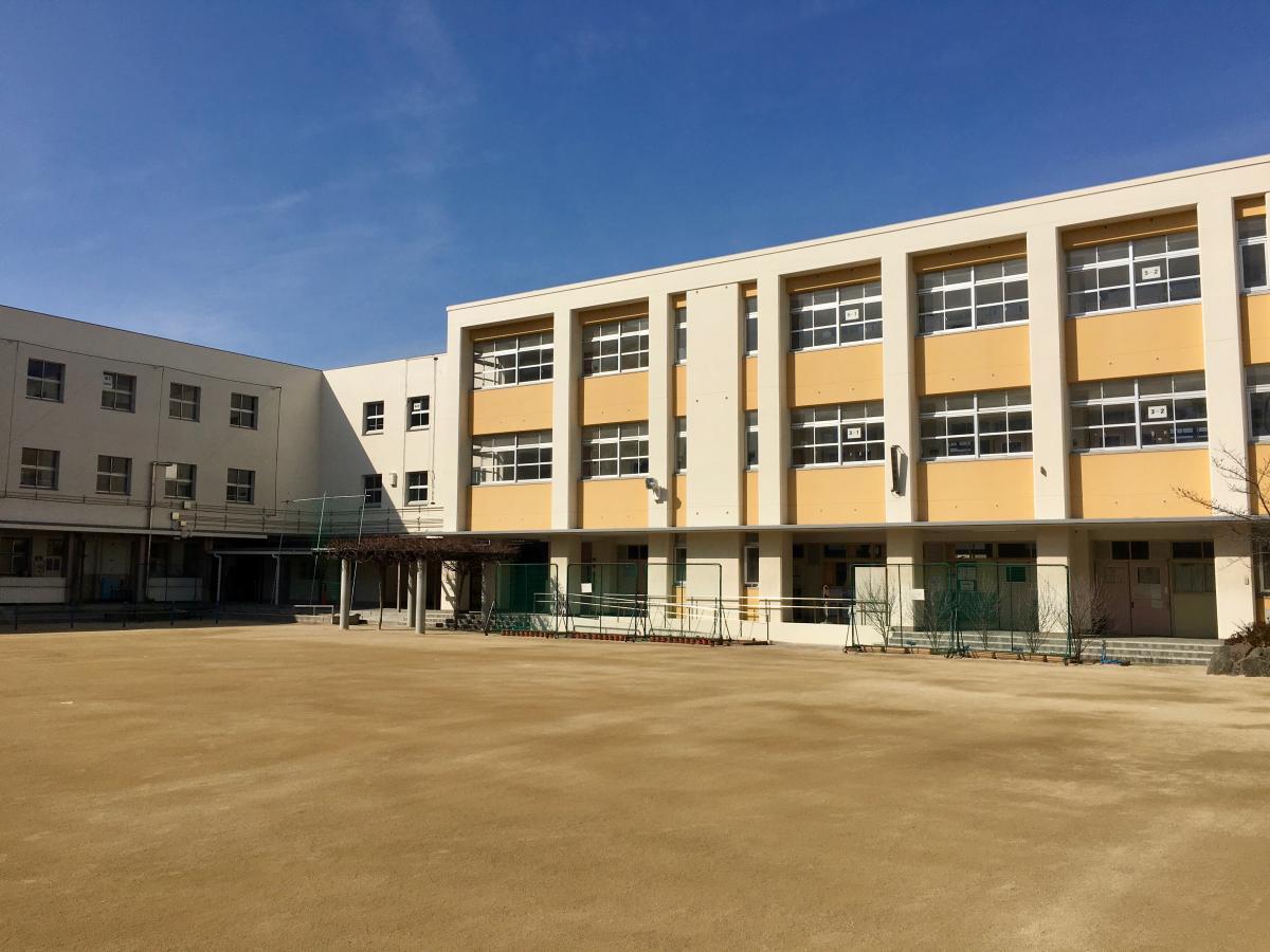 北巽 小学校